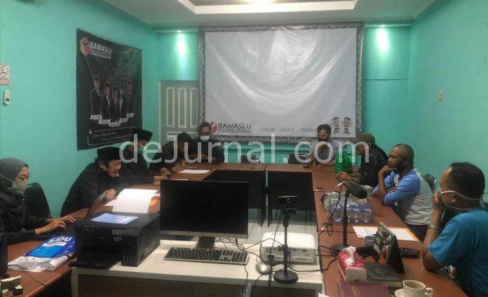 Tim advokasi NU saat berada di kantor Bawaslu.
