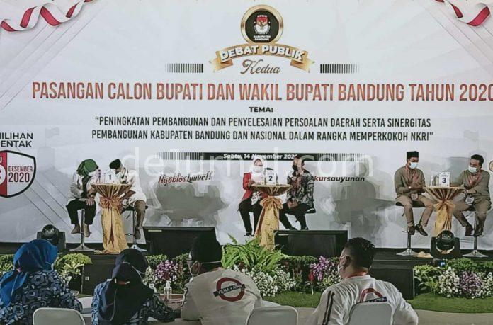 Debat publik paslon Bupati-Wakil Bupati Bandung, digelar di Kopo Square Margahayu Bandung.