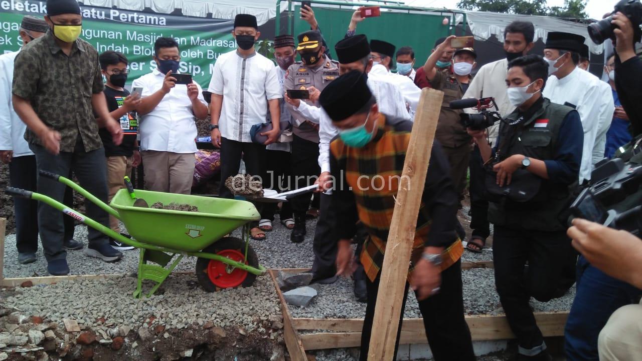 Bupati Bandung : Makmurkan Masjid Jangan Sampai Ada Jamaah ...