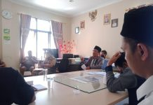 Musyawarah terkait polemik surat KUA Pameungpeuk perihal penggunaan pengeras suara masjid, perwakilan KUA Pameungpeuk dihadiri Penghulu Madya, Senin (6/6/2021)