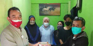 Wakil Ketua III DPRD Kabupaten Bandung Hen Hen Asep Suhendar (kiri) saat reses di Ciwidey.
