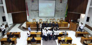 DPRD Kabupaten Bandung sedang Rapat Paripurna Membahas beberapa Raperda di Gedung Paripurna DPRD Kabupaten Bandung, Rabu(29/9/2021). (Sopandi/Dejurnal.com)