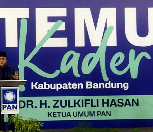 Ketua Umum PAN Zulkifli Hasan. (Sopandi/dejurnal.com)